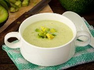 Рецепта Супа с авокадо, чесън, зелена чушка и прясно мляко – топла или студена